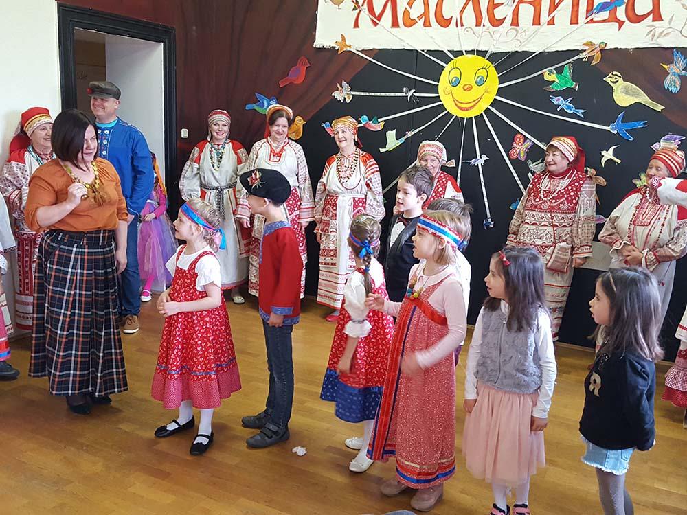 Orosz Farsang «Mászlenyica»