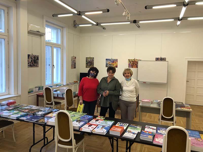 Több mint 700 könyvvel bővült az Alfavit könyvtára